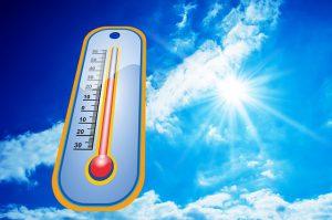 Hohe Temperaturen -> Schweißgeruch aus Kleidung entfernen